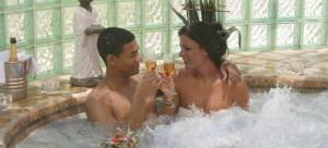 couple-jacuzzi-spa
